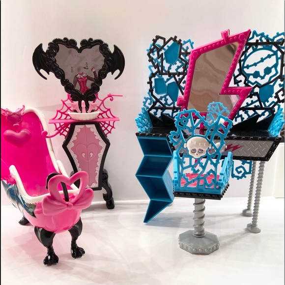 monster high Other - MonsterHigh- Doll Playsets